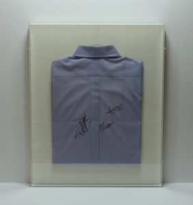 16-3 A・BOXシャツ額装 (1)